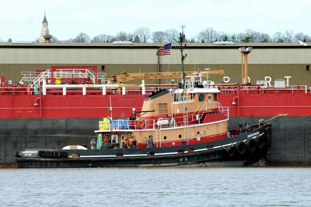 Jason Reinauer tugboat and barge on the Hudson River on Tuesday, April 14, 2015, at the Port of Albany in Albany, N.Y. (Cindy Schultz / Times Union) Photo: Cindy Schultz / 00031394A