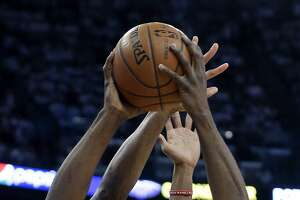 Figures and facts from Warriors-Pelicans Game 4 - Photo