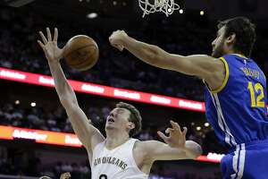 Curry headlines the hardwood wizards of oohs and aahs - Photo