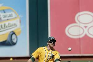 Oakland A's keep Billy Burns, send out Craig Gentry - Photo