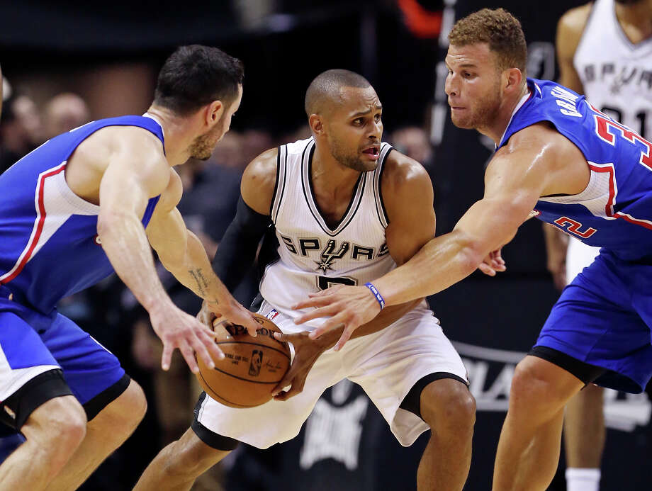 With the Western Conference first round series against the Los Angeles Clippers tied at 2-2, the Spurs move into familiar territory. Since the 2003 playoffs, the Silver and Black have found themselves 2-2 in the playoffs 15 times, and have won 11 of those series (with the Western Conference first round still on the table). Here's a look back at how the Spurs have fared in past 2-2 situations.PHOTO: The Spurs' Patty Mills looks for room between the Clippers' J.J. Redick (left) and Blake Griffin during second half action of Game 4 in the Western Conference playoffs on April 26, 2015 at the AT&T Center.  The Clippers won 114-105. Photo: Edward A. Ornelas, Staff / San Antonio Express-News / © 2015 San Antonio Express-News
