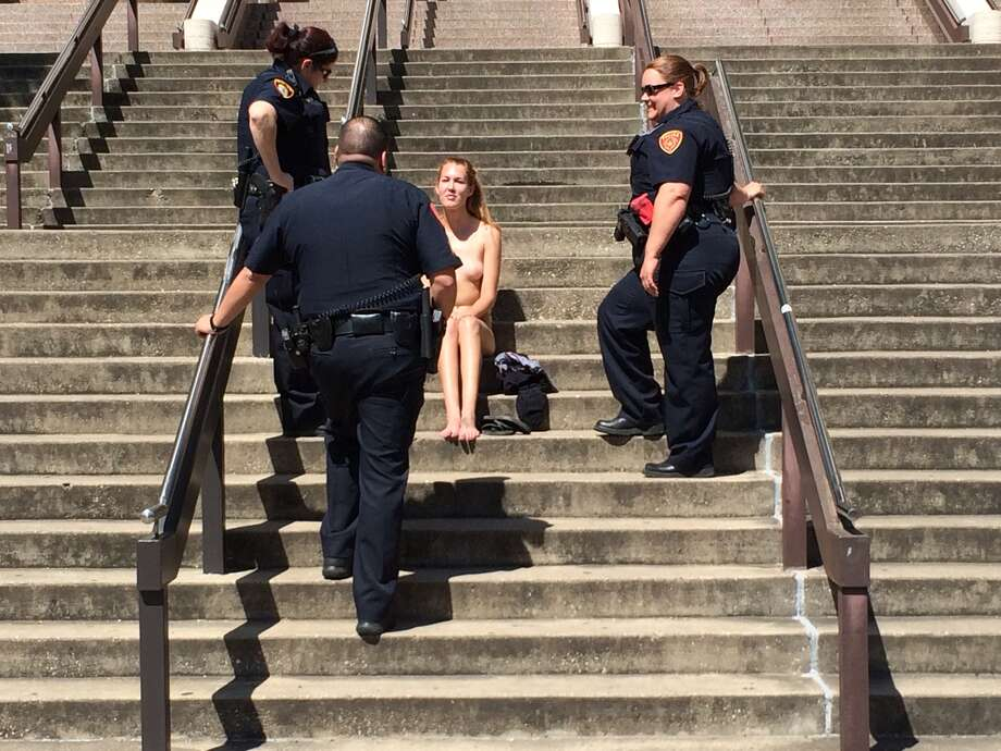 Naked Texas State Student Boldly Sits Outside School Library, Sends Social Media Awry -7658
