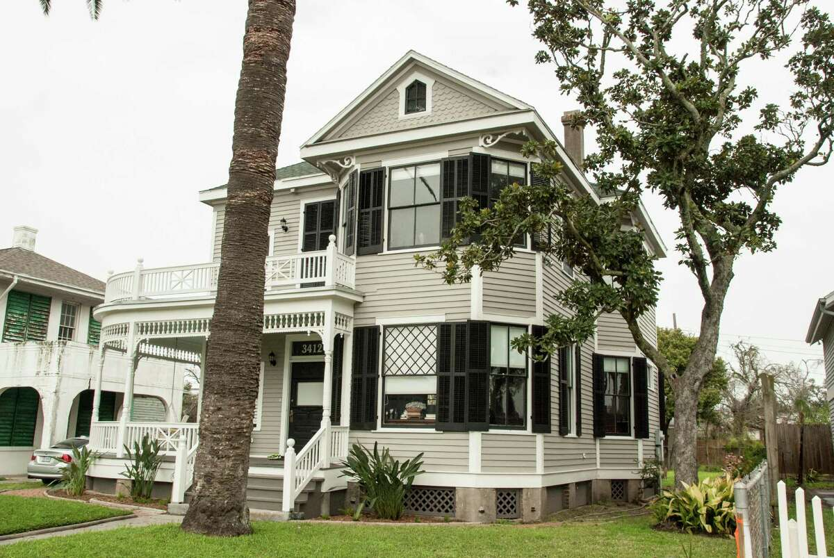 John and Carol Cornelius kept as many of the original materials as possible when they renovated this 1909 Victorian home.