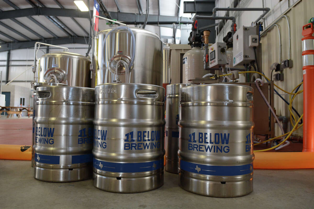 11 Below Brewing Three friends decided to leave the oil business to open this northwest Houston brewery. A food truck complements Saturday open houses. Beer to try: Color Blind red IPA. Vitals: 6820 Bourgeois; 11belowbrewing.com