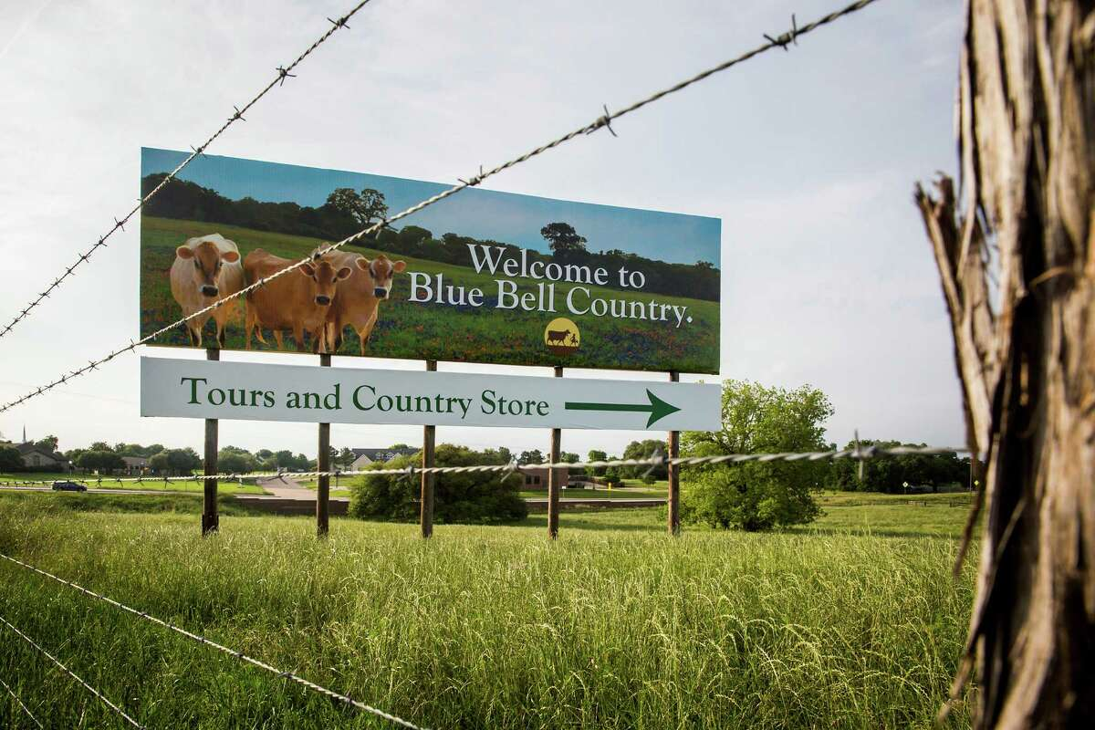 A billboard on US Highway 290 points the way to the Blue Bell Creameries on Thursday, April 23, 2015, in Brenham, Texas. Blue Bell recalled all of its products earlier in the week after more ice cream samples tested positive for Listeria. (Smiley N. Pool/The Dallas Morning News via AP)