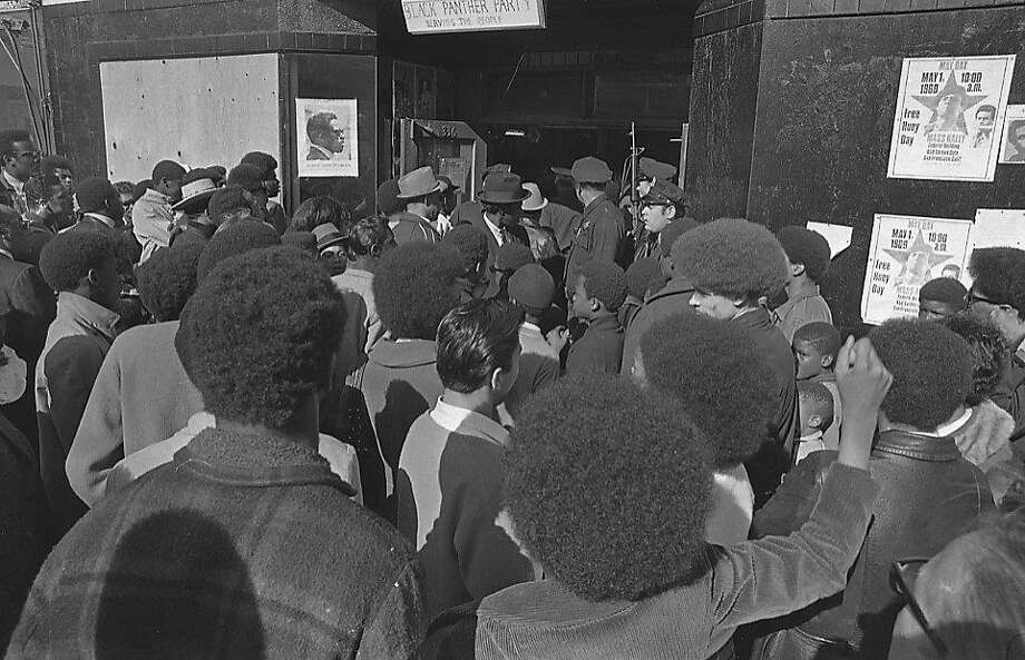 San Francisco Police raid Black Panthers in the Fillmore District April 28, 1969 Photo: Dave Randolph, The Chronicle