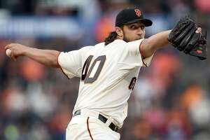Giants Splash: Kershaw-Bumgarner II, Petit's struggles and Roberto Kelly - Photo