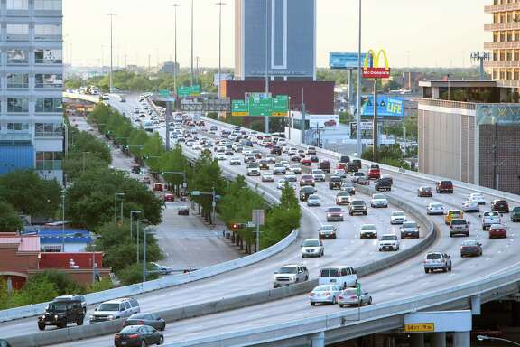 Traffic travels along the Pierce Elevated in Houston. (Cody Duty / Houston Chronicle)