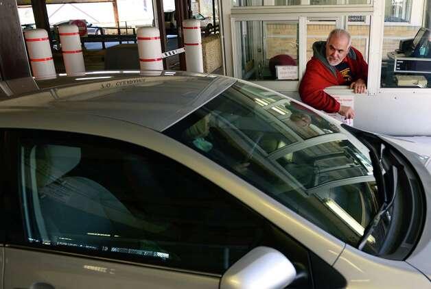Aldermen appear to favor derby garage sale greenwichtime for Garage attenant