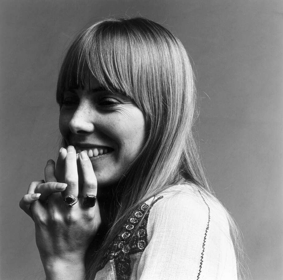 Joni Mitchell poses for Vogue in 1968. Photo: Jack Robinson, Getty Images