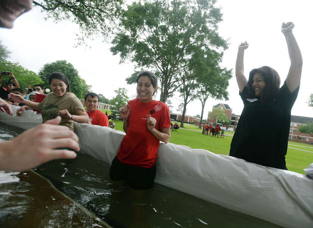 Teams Test Concrete Canoes At Lamar Beaumont Enterprise
