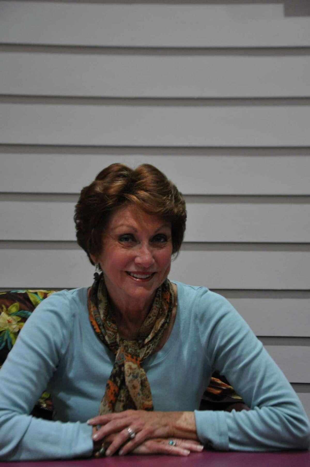 Wanda Zimmer, candidate Position 2 Kemah