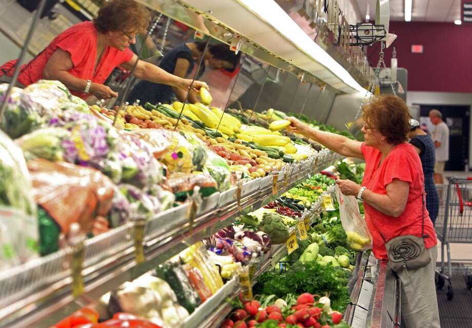 FoodAverage spending by Houston household: $7,987Percentage of spending by average Houston household: 12 percentPercentage of spending by average US household: 13 percentAccording to the Bureau of Labor Statistics' Consumer Expenditures Survey Photo: James Nielsen, Chronicle