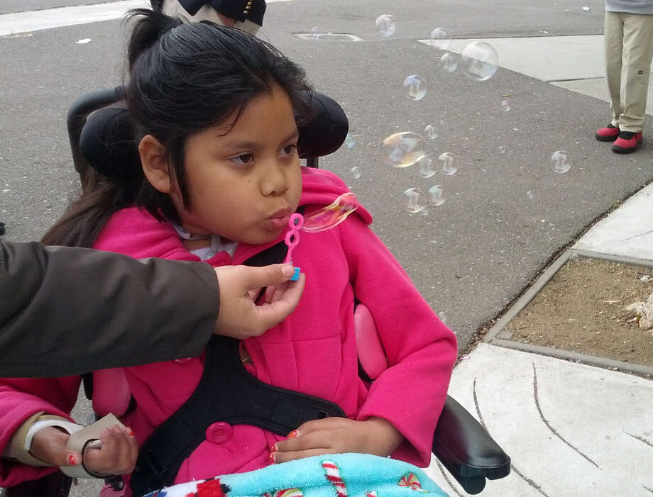 Jacqueline Funes was eager to return to her old school, even if it meant she was the only student in a wheelchair. Photo: Zaidee Stavely/KQED / Zaidee Stavely/KQED