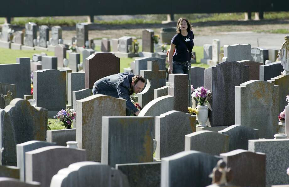 The state of California is updating its tax code for funeral-related goods. Photo: Michael Macor, SFC