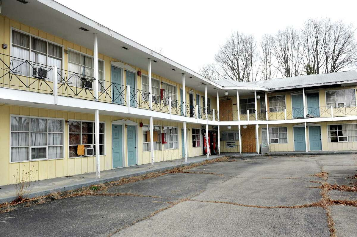 Vacant Governor's Inn & Suites at 2505 Western Ave. in Guilderland, N.Y. (Cindy Schultz/Times Union)