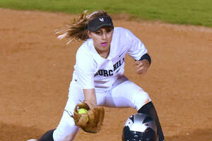 Softball: E-N Area preseason rankings and players to watch - Photo
