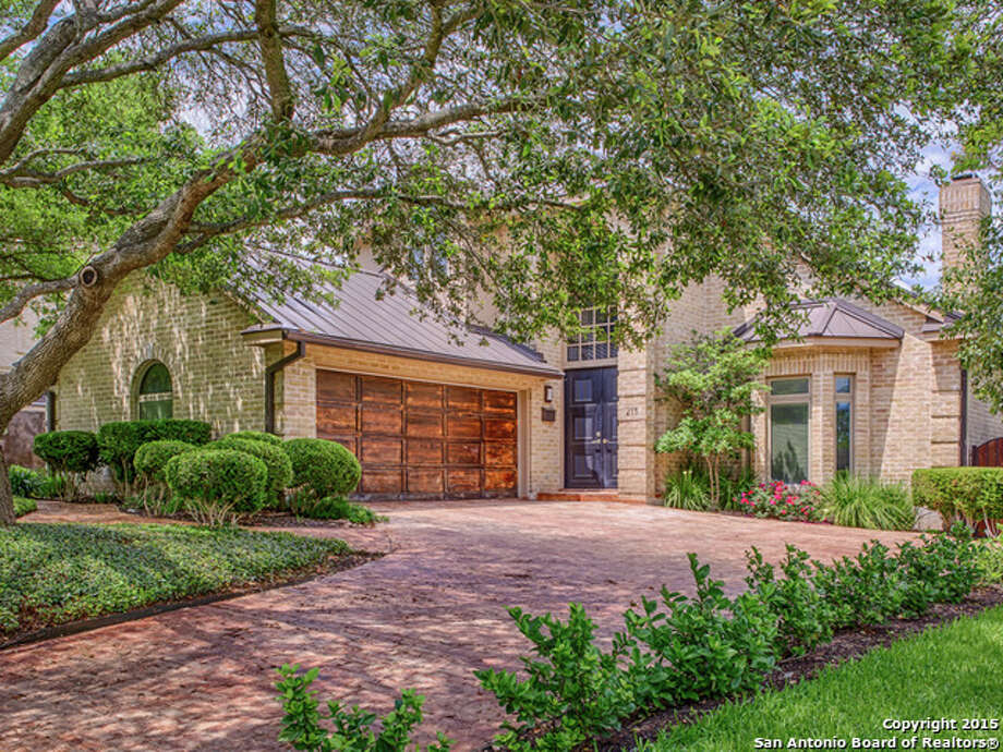 215 Cloverleaf Ave., San Antonio Price: $765,000 Exterior features: Covered, fully equipped outdoor kitchen, including a grill, sink and refrigerator; an outdoor living area; a pool; a Jacuzzi; and a guest house.  Bedrooms: 3 Bathrooms: 2.5 MLS: 1109544 Photo: Kuper Sotheby's International Realty, Courtesy, Rick Kuper Via Mysa.com / Real Estate Brokerage
