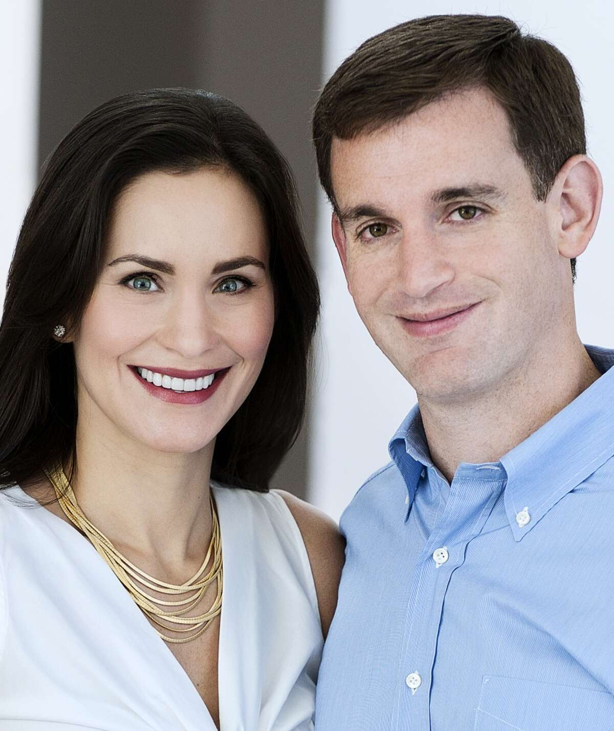 Laura Arnold Together with her husband, John, the pair co-founded the Arnold Foundation, which seeks to reform social injustices. Laura is an attorney and a former oil exec.