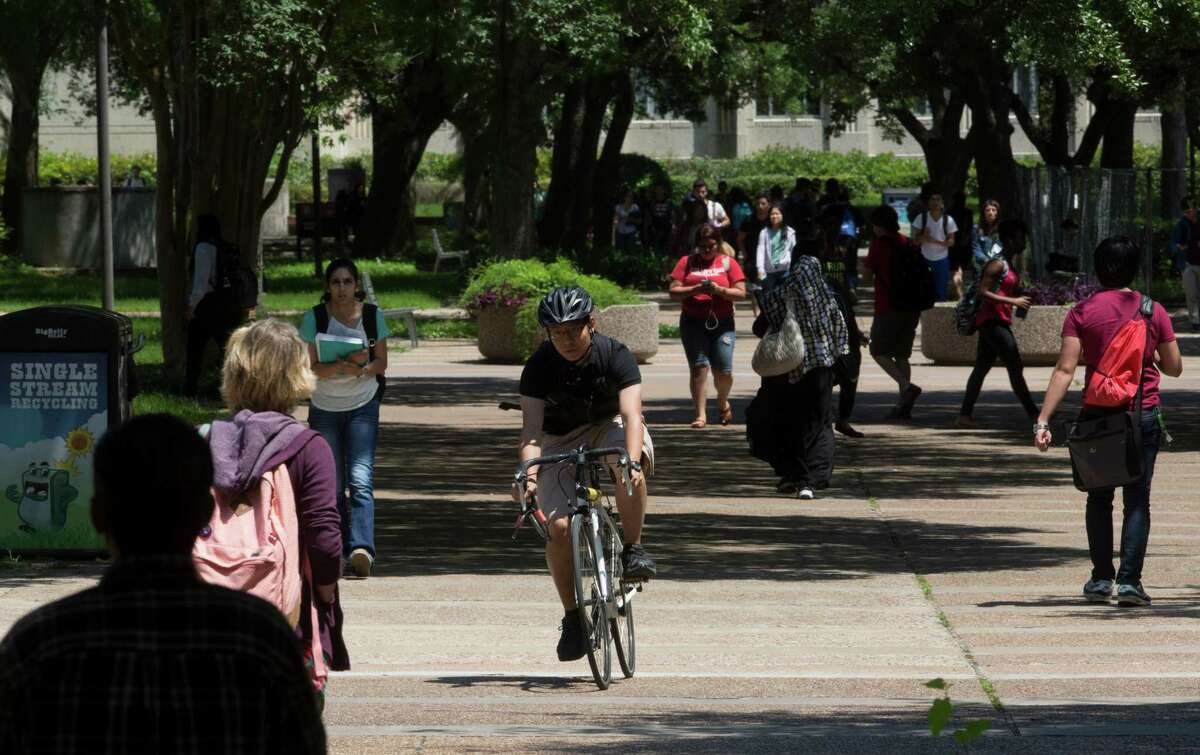 University of Houston Rank among all national universities: 171 Rank among A+ schools for B students: 82
