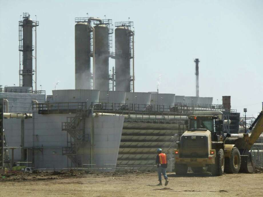 Phillips 66 will expand its Sweeny Hub near Old Ocean to transport and process more natural gas liquids. Photo: Ryan Holeywell