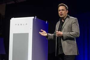 Tesla unveils the 'missing piece' — a battery to change the world - Photo