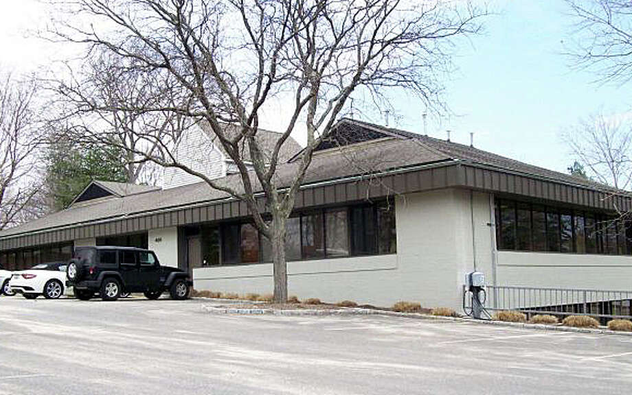The Planning and Zoning Commission has approved a permit for this building at 495 Post Road East to be used as a shared space by salon professionals. Photo: File Photo / Westport News