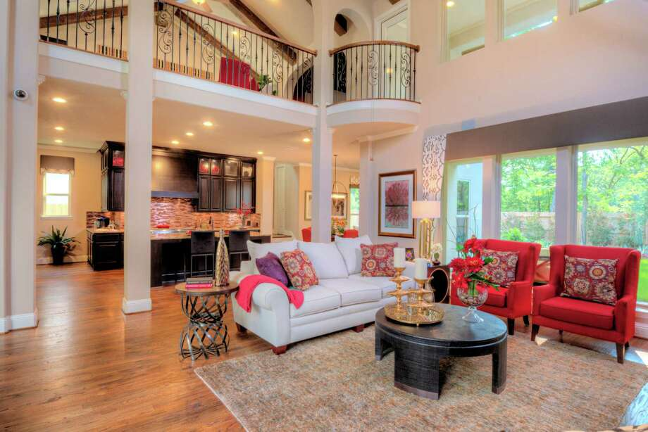Darling Homes presents a month-long tour of its model homes, including several in Fort Bend, each fully furnished and and decorated with thousands of design ideas, during the Houston homebuilderés Luxury in Bloom Home Tour, through May 31. Photo: Darling Homes