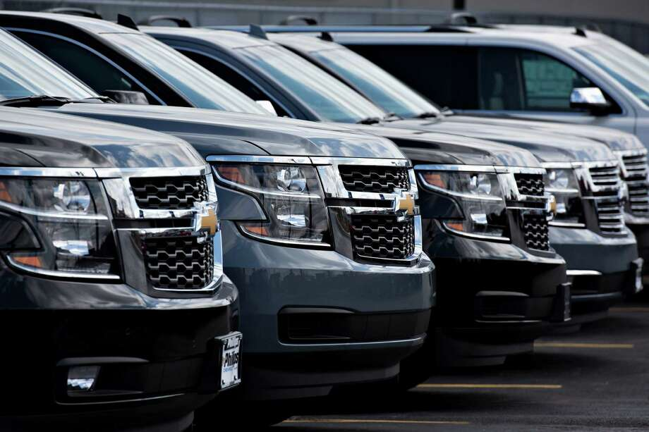 Several automakers reported their strongest April sales ever as SUVs and trucks powered U.S. auto sales to a 4.6 percent gain. Photo: Daniel Acker /Bloomberg News / © 2015 Bloomberg Finance LP
