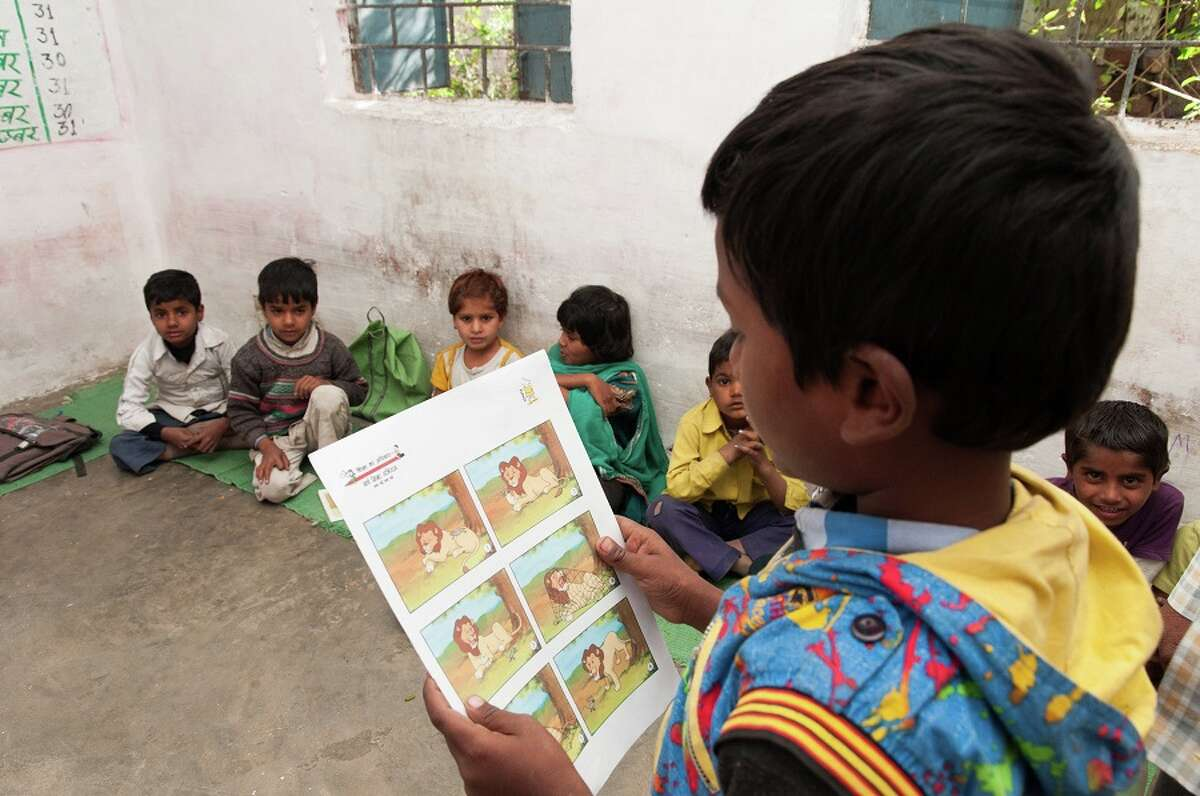 A Pratha reading class in Bhopal, Madhya Pradesh.
