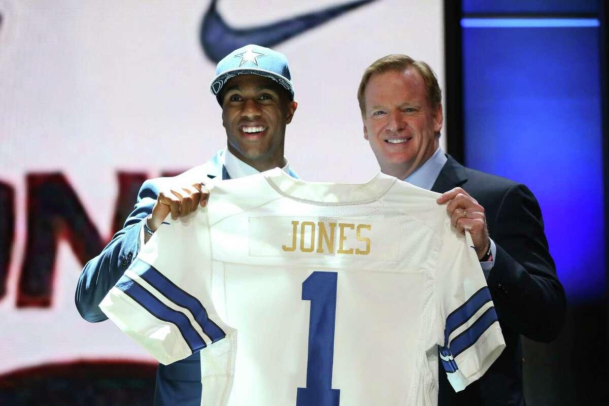 byron jones cowboys jersey
