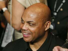 Charles Barkley joins the crowd before the start of the world welterweight championship bout between Floyd Mayweather Jr., and Manny Pacquiao, on Saturday, May 2, 2015 in Las Vegas.(AP Photo/John Locher)