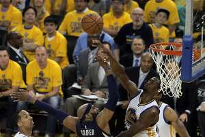 Warriors show depth in winning opener against Grizzlies - Photo