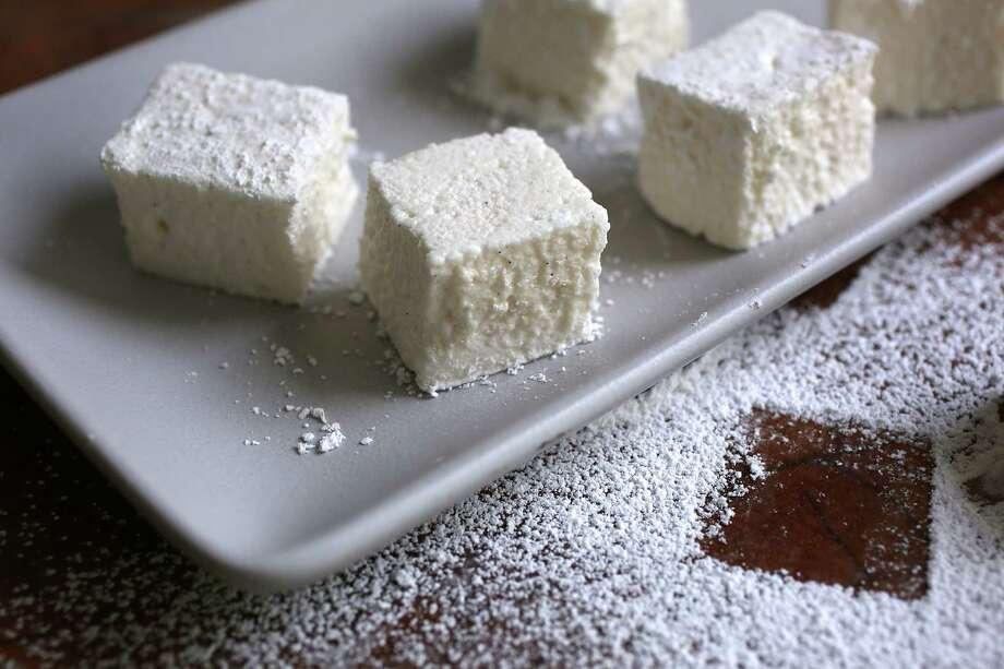 Recipe: Tout Sweet Vanilla Bean Marshmallows