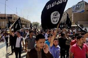 Al Qaeda takes nice-guy role to keep up with Islamic State - Photo
