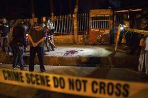 Bangladesh investigate terror group in blogger's death - Photo
