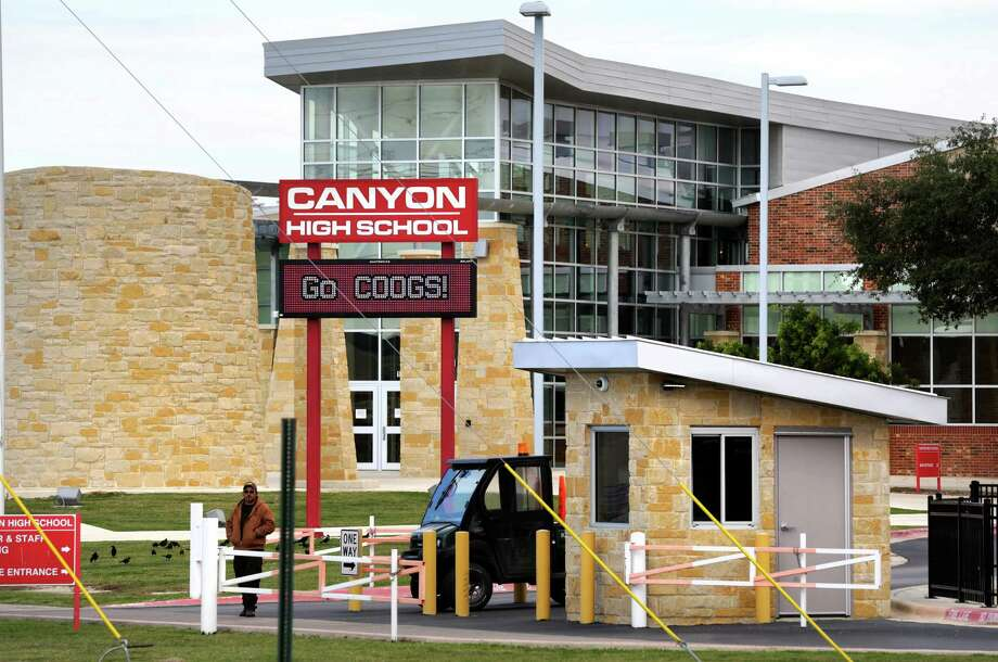 Canyon High School in New Braunfels, TX, where sophomore student Logan Davidson was assaulted and later died of his injuries. Thursdayu, Nov. 14, 2013. Photo: Bob Owen, Staff / San Antonio Express-News / ©2013 San Antonio Express-News