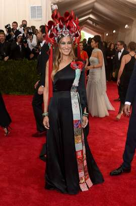 Sarah Jessica Parker attends the 'China: Through The Looking Glass' Costume Institute Benefit Gala at the Metropolitan Museum of Art on May 4, 2015 in New York City. (Photo by Larry Busacca/Getty Images)