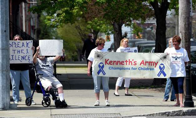 Child advocates demonstrate near the Albany County Family Court as the Brenda VanAlstyne hearing continues Monday afternoon May 4, 2015 in Albany, N.Y.     (Skip Dickstein/Times Union) Photo: SKIP DICKSTEIN / 00031696A