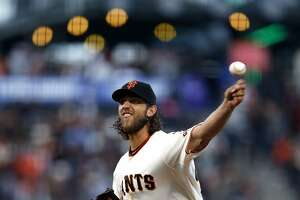 Bumgarner takes no-hitter into 7th in Giants' victory - Photo
