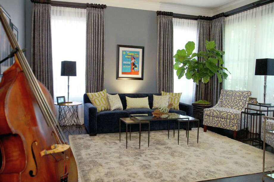 After remodeling couple 39 s west u home is all that jazz for Living room jazz