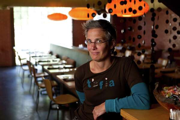Chef Monica Pope's Midtown restaurant, Sparrow Bar & Cookshop, will began serving lunches.