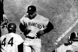 How Joey Amalfitano helped on Willie Mays' career day - Photo