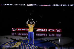 Roar from crowd for Curry as MVP brings down the house - Photo