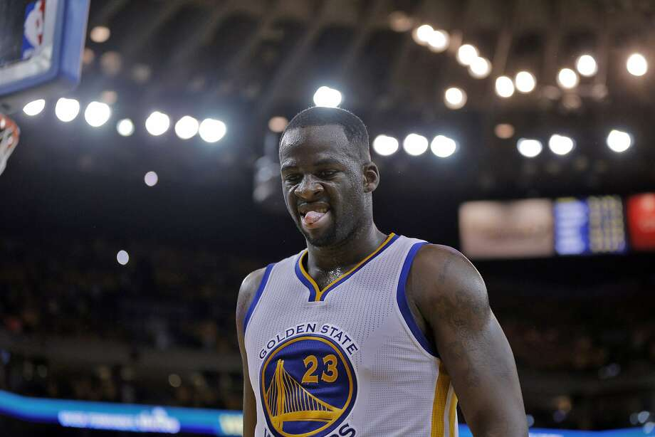 Draymond Green (23) makes a face after a foul call during the second half. The Golden State Warriors played the Memphis Grizzlies at Oracle Arena in Oakland, Calif., in Game 2 of the Western Conference Semifinals on Tuesday, May 5, 2015. Photo: Carlos Avila Gonzalez, The Chronicle