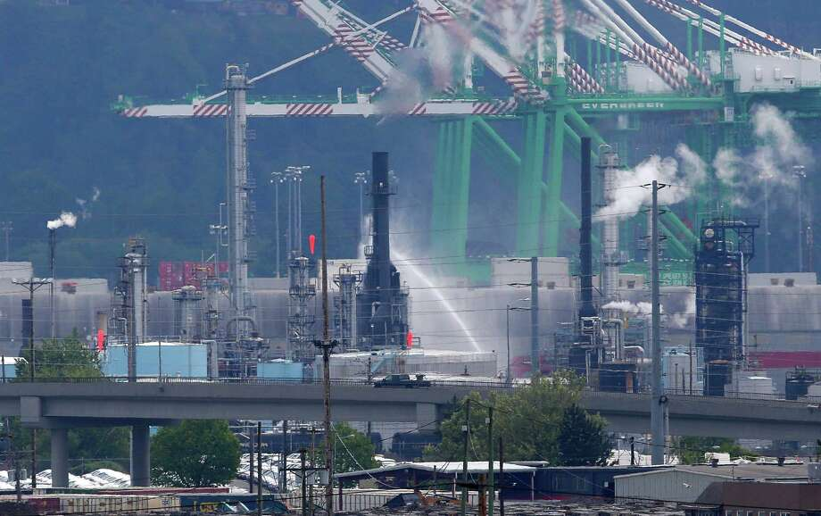 The U.S. Oil and Refining Co. facility in Tacoma.  Its owner is one of the firms contributing to defeat Initiative 1631, the carbon fee on Washington's November ballot. Photo: Ted S. Warren, AP / AP