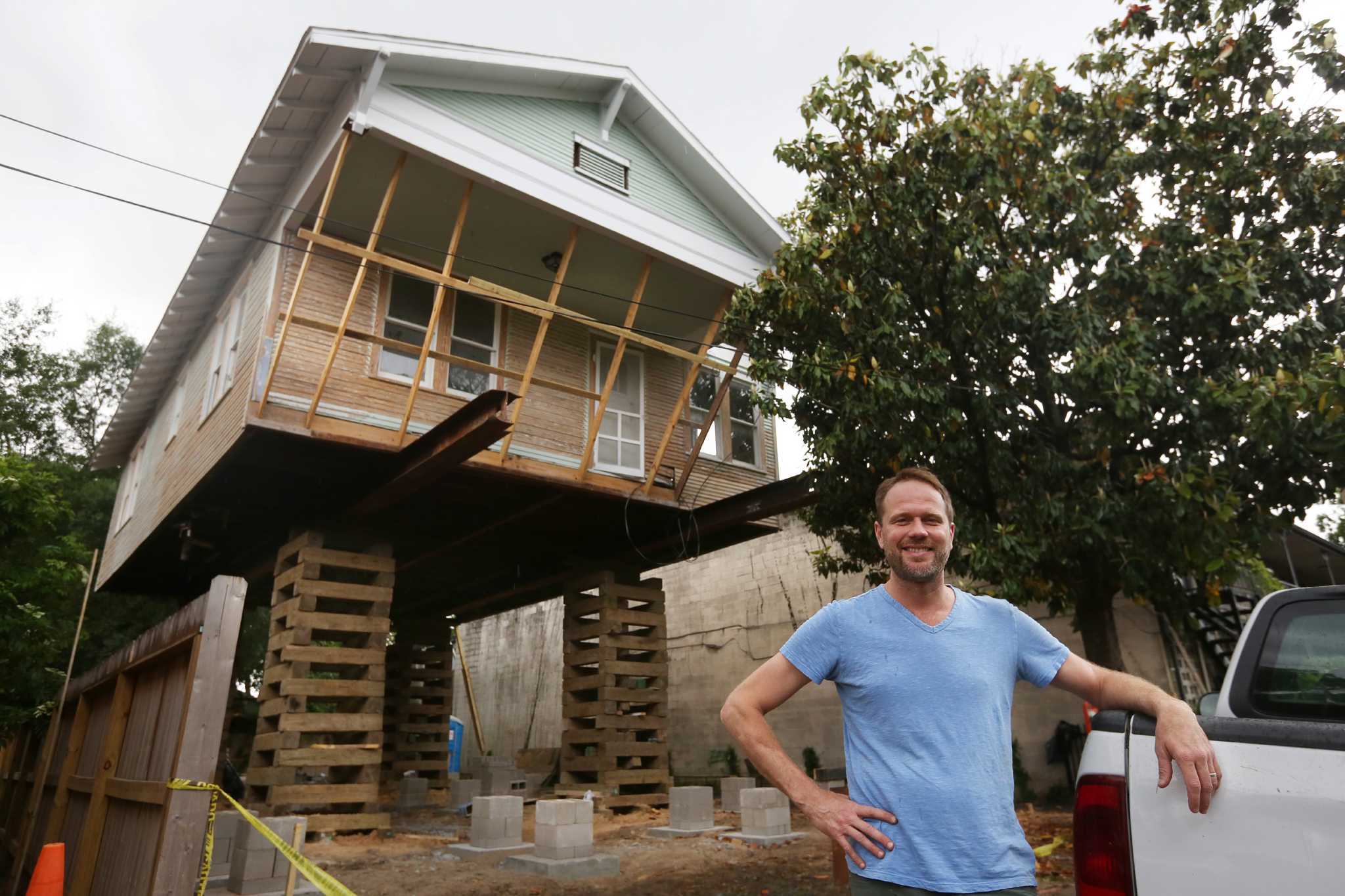 Delightful Heights Remodeler Jacks Up House To Add On Below Houston Chronicle