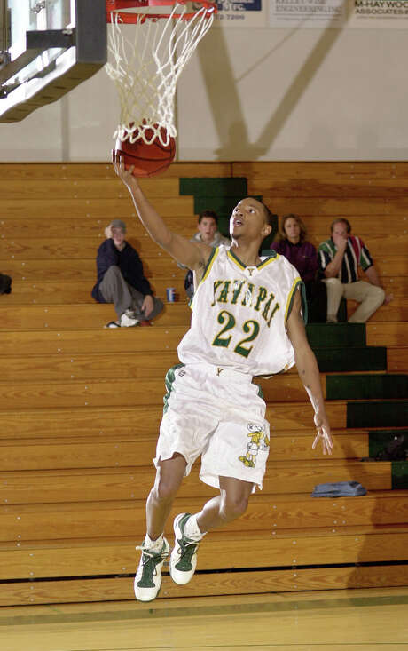 Elton Simpson goes uncontested for a layup during a January 2003 Yavapai College basketball game in Prescott, Ariz. Simpson was one of the two gunmen who was shot and killed by authorities outside a Garland venue hosting a contest for Muslim Prophet Muhammad cartoons. Photo: Les Stukenberg /Daily (Prescott, Ariz.) Courier / The Daily Courier
