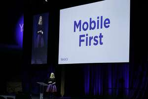 Yahoo unveils Livetext messaging app with video, no audio - Photo