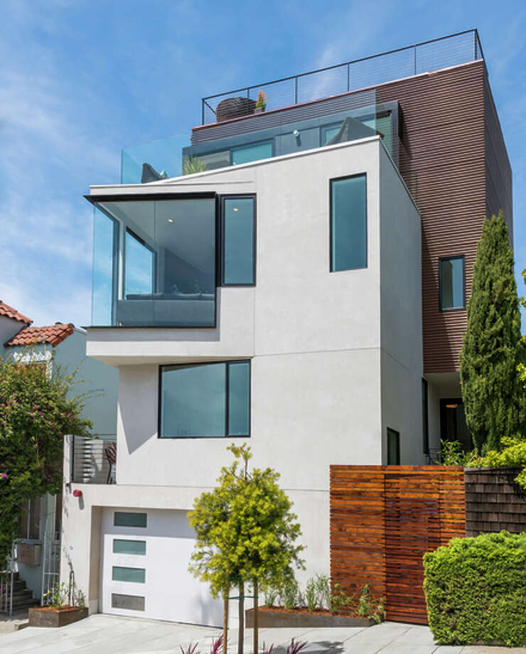 Stucco, glass and corrugated copper provide striking curb appeal for the four-level view home in Potrero Hill. Photo: Olga Soboleva/Vanguard Propertie / ONLINE_CHECK